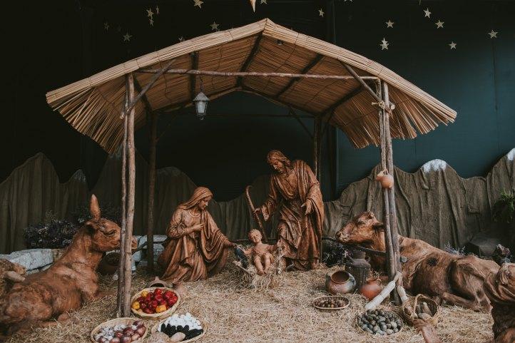 Nativity scene_walter-chavez-300070